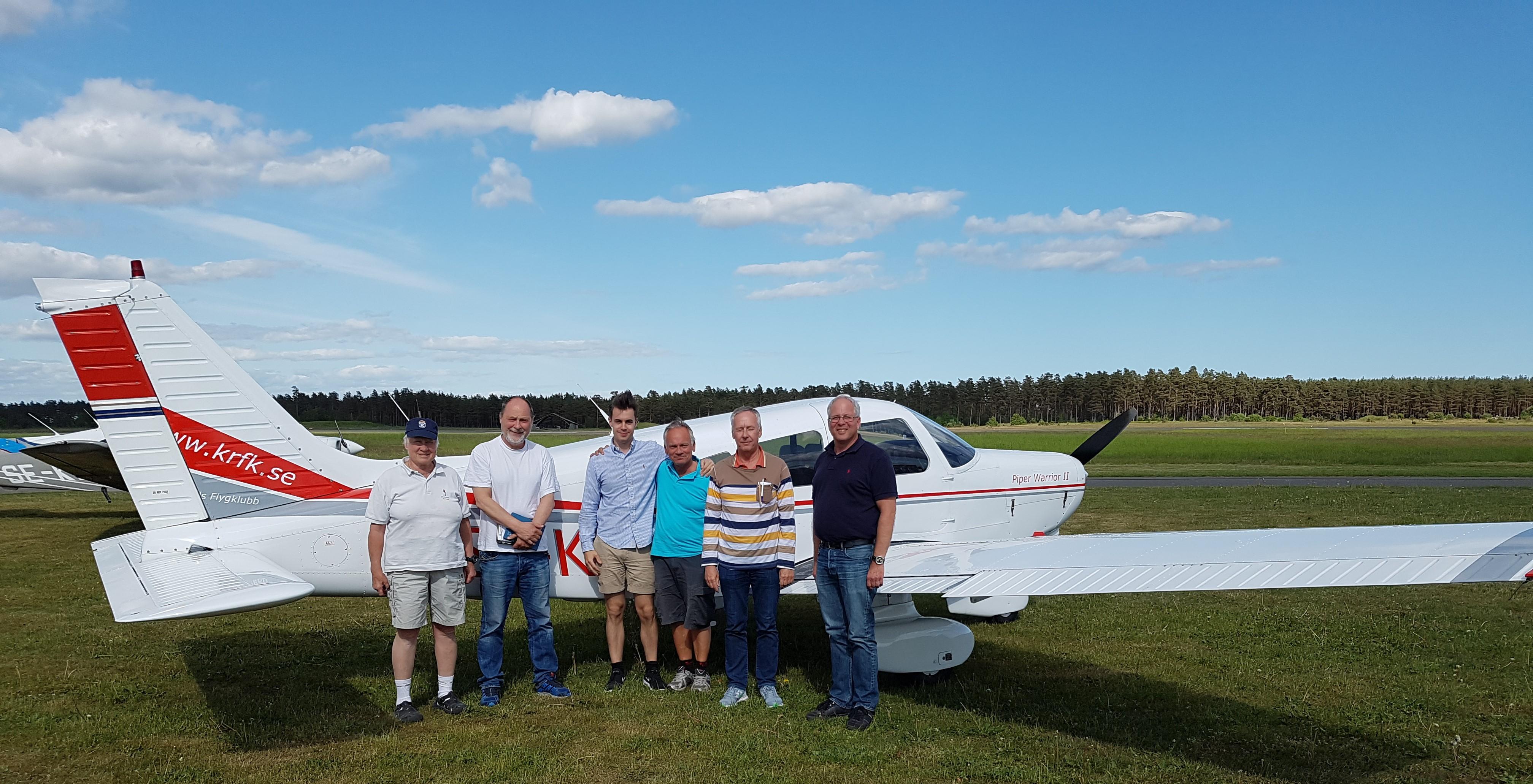 Ny utbildade roteflygare med lärare